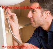 Plumber working in the Ravenswood area